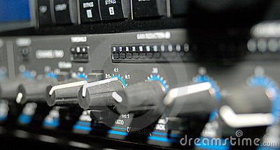 Equipamento de gravação sadia (equipamento dos media)