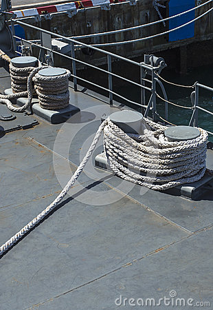 Equipment for mooring