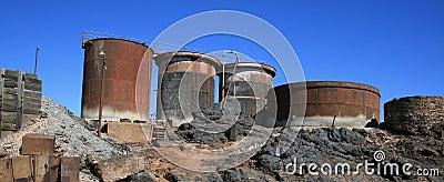 Equipo minero averiado, colina rota