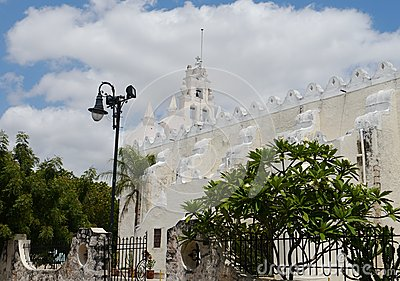 Erida Mexico Yucatan architecture history street church