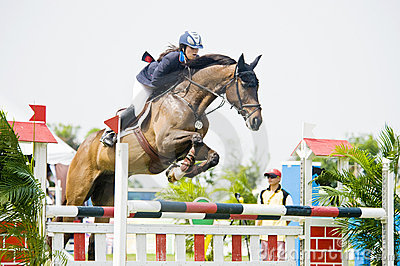 Erstes Cup Equestrian Show Jumping Redaktionelles Stockfoto