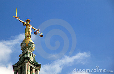 Escalas de la justicia (señora Of Justice) viejo Bailey