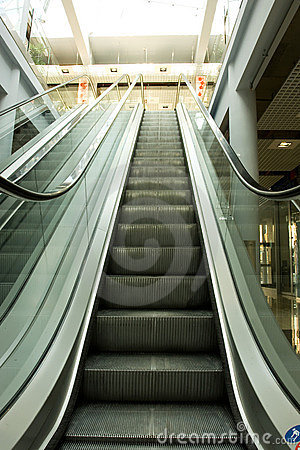 Free Escalators Going Up And Down Stock Image - 6335701