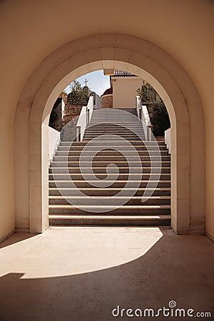 Escaliers dans la voûte
