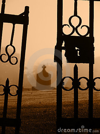Free Escaped From The Grave Royalty Free Stock Photo - 3344425
