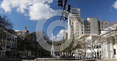 Escena de la calle en el centro de Augusta, Georgia 4K La ciudad tiene un animado centro metrajes