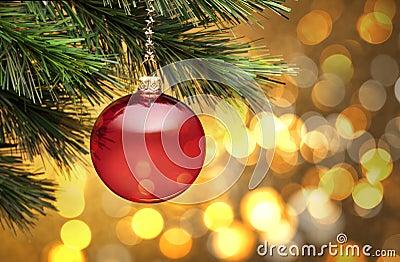 Escena de oro del árbol de navidad