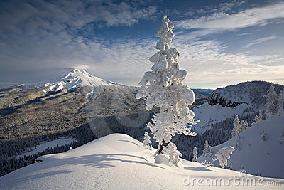 Escena del invierno del capo motor del Mt