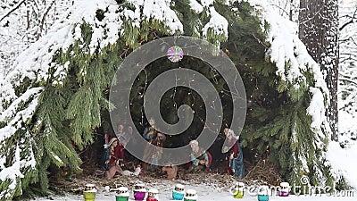 Escena navideña en el monasterio de Novospassky Escena del nacimiento de los motivos de la Biblia de Jesucristo almacen de metraje de vídeo