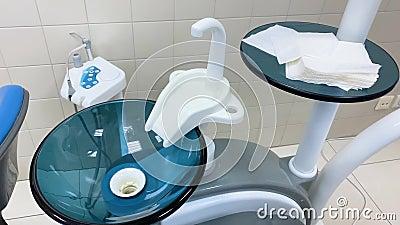 Escritório de odontologia cuspir na pia higiene oral video estoque