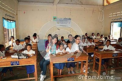 Escuela en Camboya Foto de archivo editorial