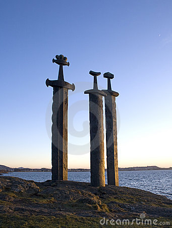 Espadas na rocha
