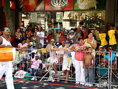Espectadores do carnaval do Minstrel de Cape Town Imagem Editorial