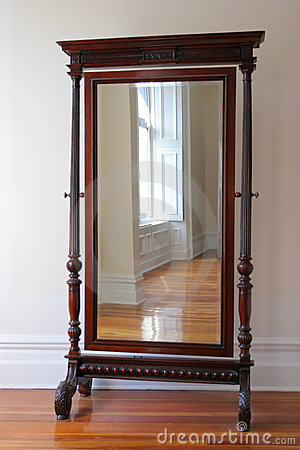 Espejo antiguo grande foto de archivo imagen 3246160 - Espejos antiguos de pared ...