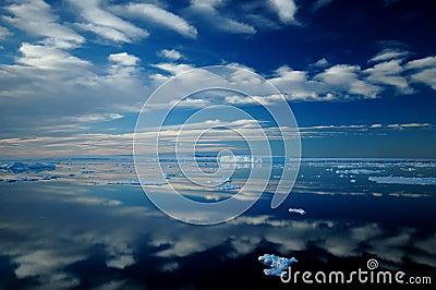 Espejo antártico