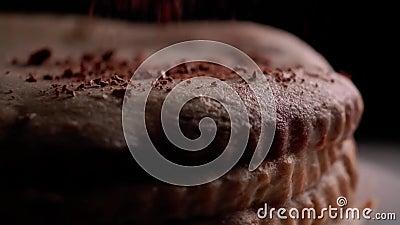 Espolvorear con chocolate almacen de metraje de vídeo