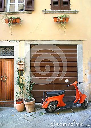 Esquina italiana de la vespa