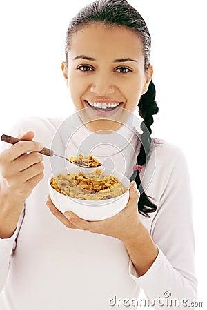 Essen von Corn-Flakes
