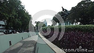 Estátua de Diponogoro perto do parque de Suropati, Jakarta filme