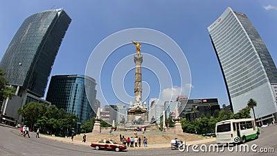 Estátua do anjo da independência (Cidade do México, SHOT-ZOOM COMPLETO DENTRO) video estoque