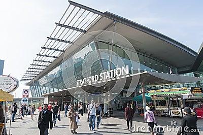 Estación de Stratford en Londres Foto editorial