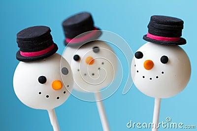 Estallidos de la torta del muñeco de nieve
