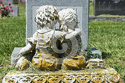 Resultado de imagen de cementerio de niños