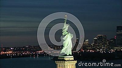 Estatua del cierre de la libertad para arriba almacen de metraje de vídeo