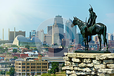 Estatua india Kansas City del explorador Imagen editorial