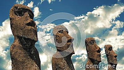 Estatuas de la isla de pascua almacen de metraje de vídeo