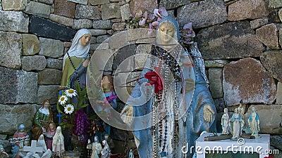 Estatuetas Da Nun No Canto Exterior vídeos de arquivo