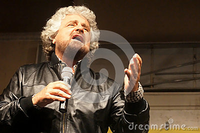 Estrelas do movimento cinco de Beppe Grillo Fotografia Editorial