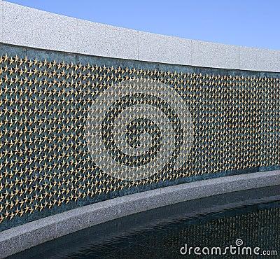 Estrellas de oro en el monumento de la Segunda Guerra Mundial