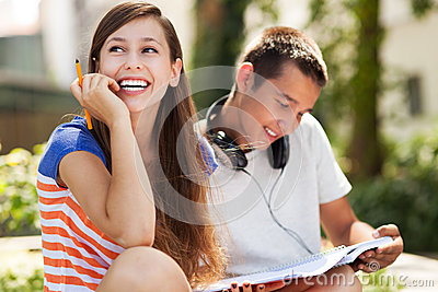 Estudantes felizes