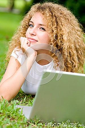 Estudiante afuera