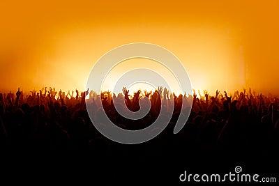 Eu quero ver suas mãos - multidão do concerto