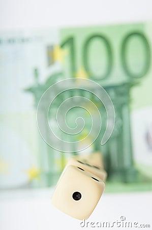 Free Euro Gamble Royalty Free Stock Photography - 68190987