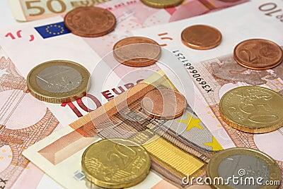 Europäischer Bargeldabschluß oben.