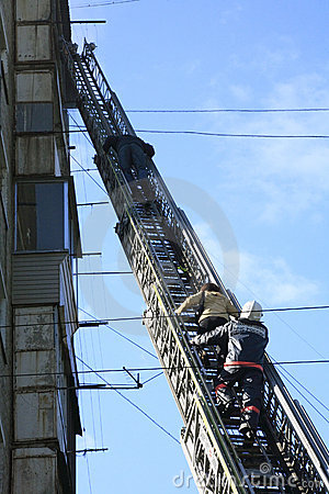 Evacuation of burnt down persons by fire-escape