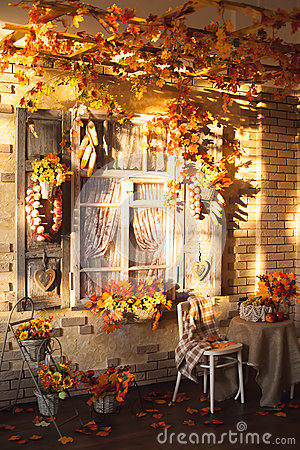 Free Evening Patio. Window With Vintage Shutters Decorated With Autum Royalty Free Stock Photo - 76334095