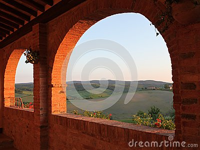 Evening sun in the Siena countryside