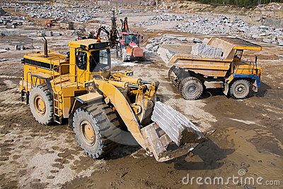 Excavation and dump vehicle