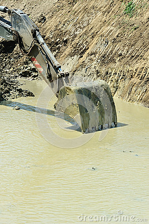 Excavator bucket collect water