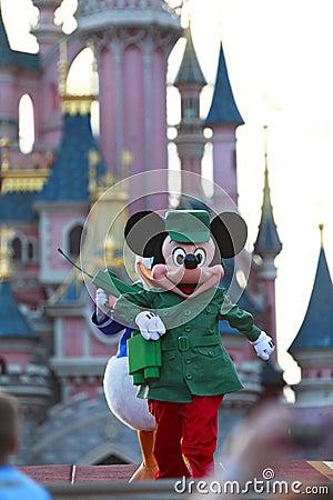 Exécution de Mickey Mouse Photo stock éditorial