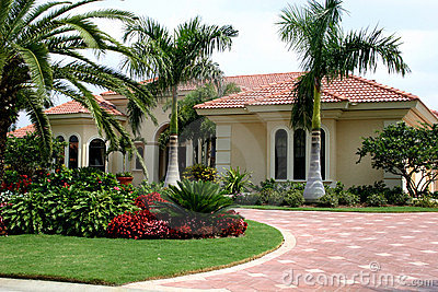 Executive Home in Tropics