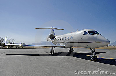 Executive jet front