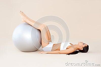 Exercícios com bola do ajuste