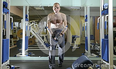 Exercice avec le poids.