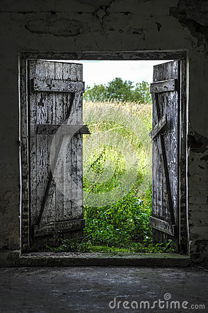 Free Exit To Green Meadow Stock Photo - 71716150