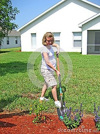 Pregnant Gardening 8